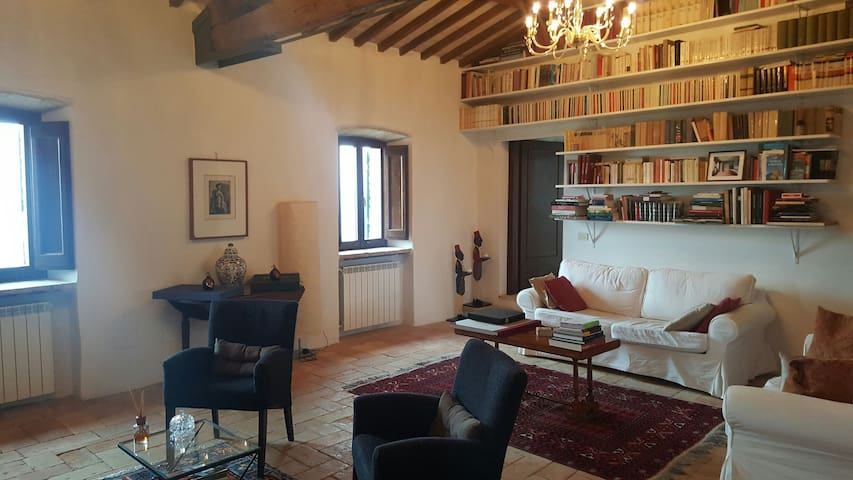 Cosy house with view and garden - Trevi - Casa