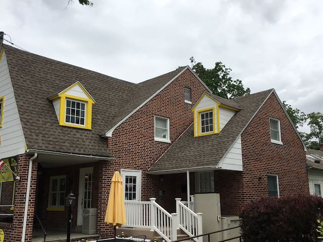 In the Heart of Downtown Gettysburg with Parking! - Gettysburg - Casa