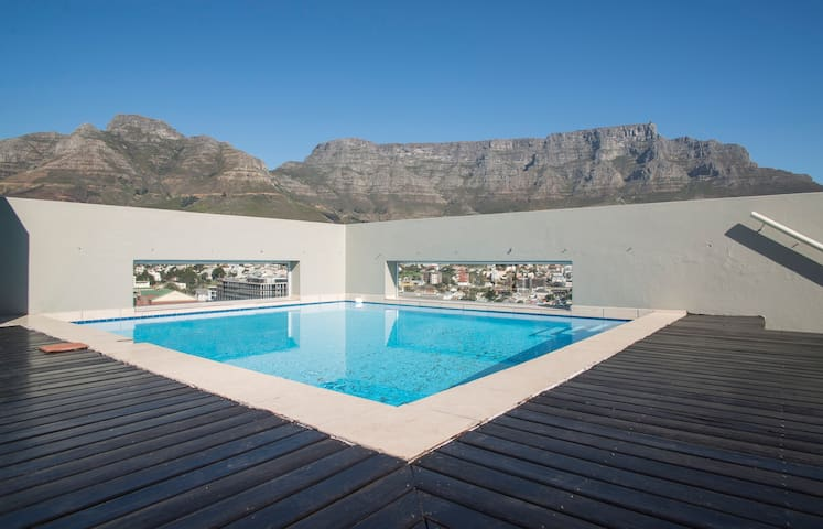 Penthouse Bedroom with bathroom in Cape Town CBD - Cape Town - Leilighet