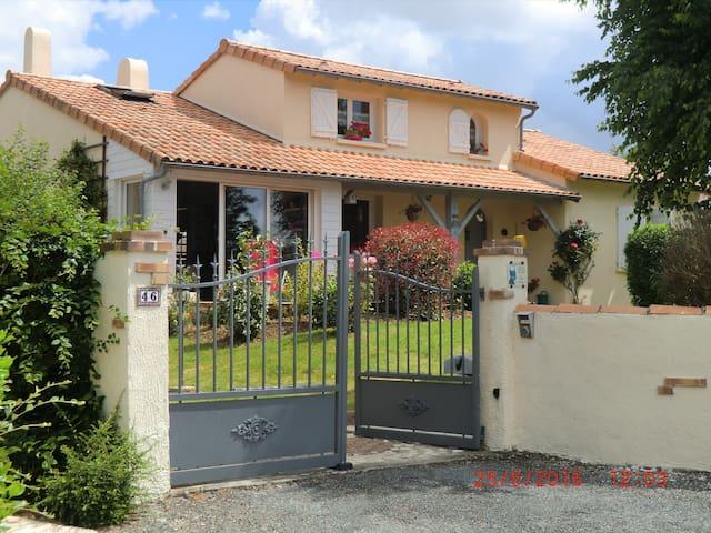 Chez FanDan - Nieuil-l'Espoir - Casa