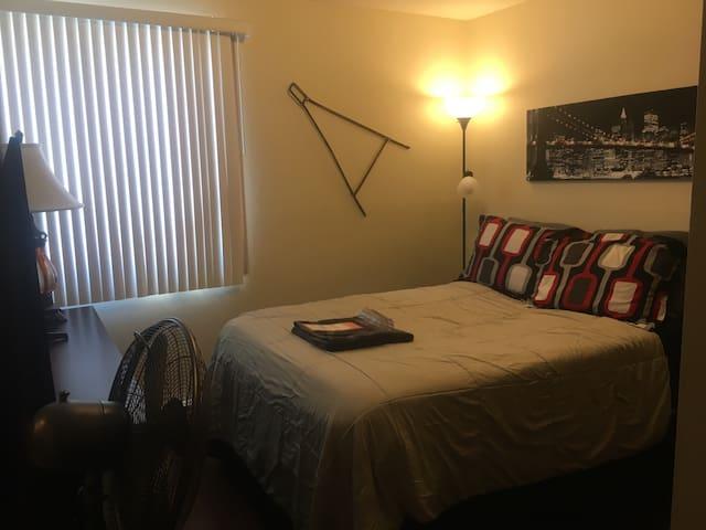 One Bedroom, Benton Manor - Iowa City