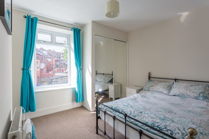 Comfy private room (women only). - Sheffield - Rumah