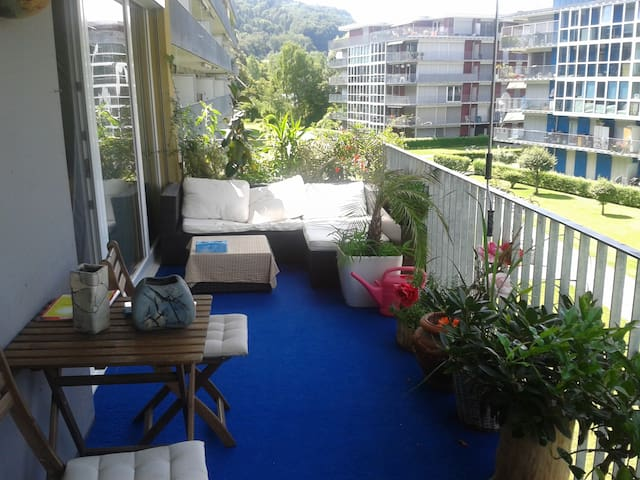 Suntrap room in convinient 90qm Appartment - Winterthur - Departamento