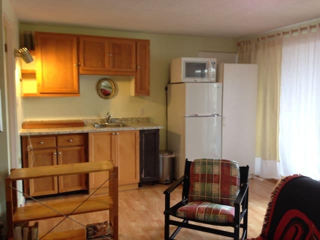 Garden suite Cowichan Bay - Cowichan Bay - Apartemen