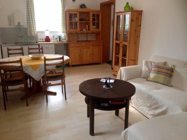 Schöne Ferienwohnung für Naturliebhaber - Jabel - Appartement