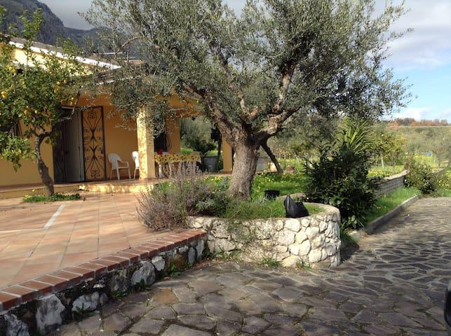 Il Cottage di Anna, tra Roma Napoli - Spigno Saturnia