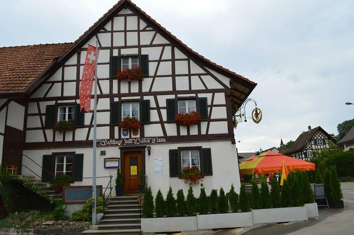 Landgasthoff zum Wilden Mann - Neerach - Pousada