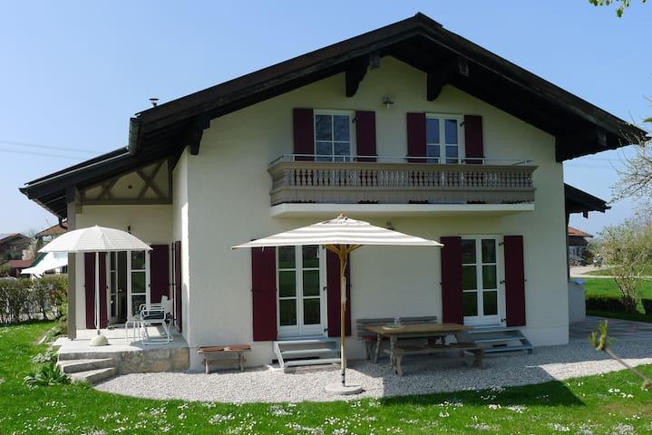 Freistehendes Ferienhaus- wenige Minuten zum See - Übersee - Casa