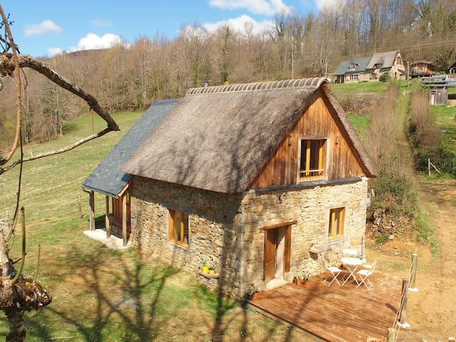 """""""Quélébu Grange"""" gite / retraite dans le Couserans - Aleu - Huis"""