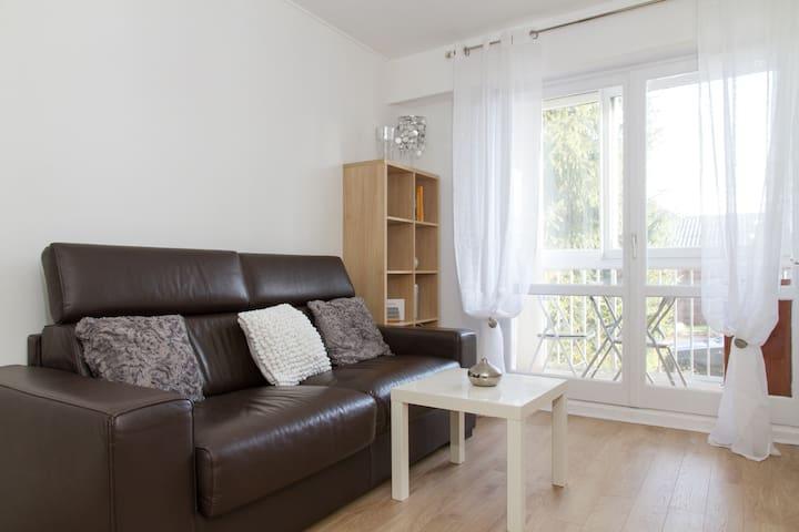 Studio tout confort avec Loggia proche Paris - Les Pavillons-sous-Bois - Apartamento
