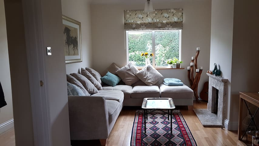 Beautiful double room in Guildford - Guildford - Dom