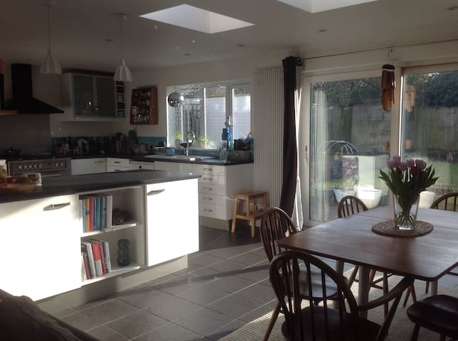 4 bed family home in rural South Cambs village - Balsham - Hus
