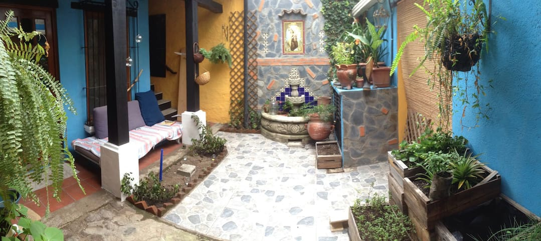 Mi cuartote - low monthly rent! - Antigua Guatemala - Wohnung