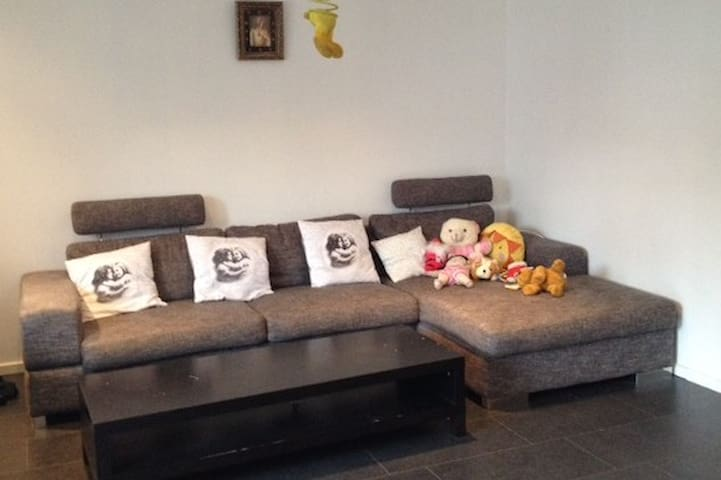 Bright, comfortable place,18 min to Stockholm city - Stockholm - Leilighet