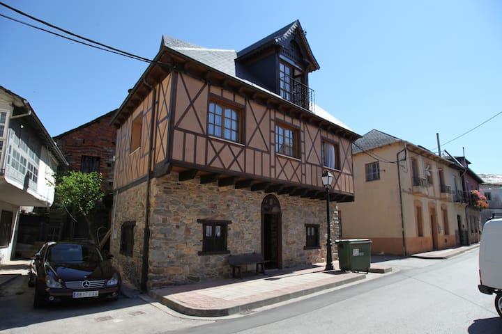 Casa Rural La Casina del Pozo - Bembibre - Talo
