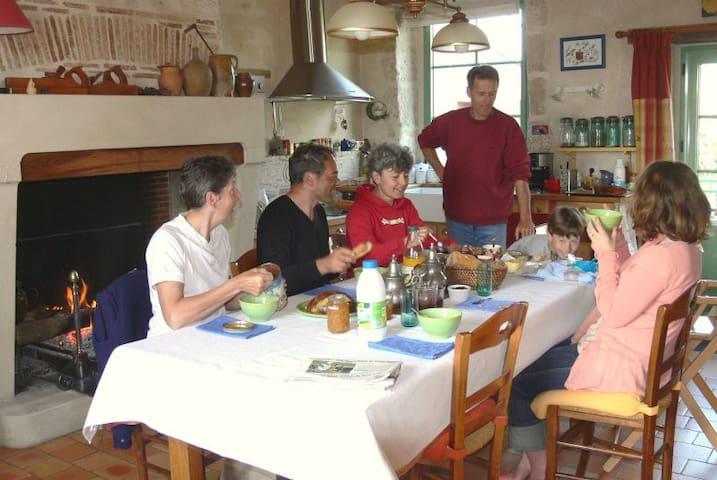 Chambre Nature au Rayon d'Or - Grues - Oda + Kahvaltı