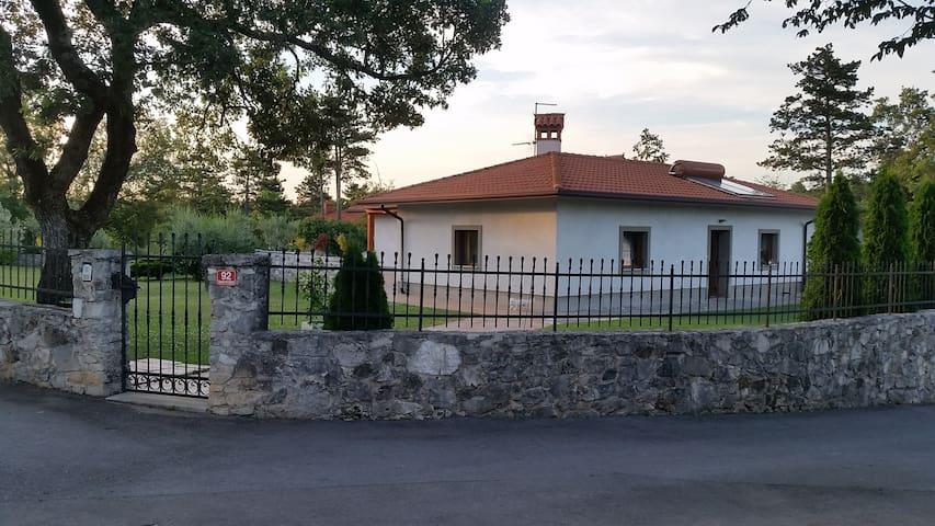 Villa  Smarje - Šmarje pri Sežani - Hus