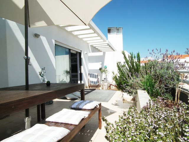 Modern Sunny Apartment w/ 2 Balconies + View - Alcabideche - Daire