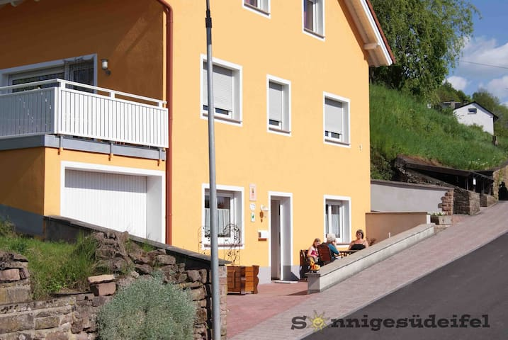 Drei Sterne (DTV) Ferienwohnung Sonnige Südeifel - Seffern - Departamento