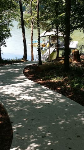 Lake House, Private Dock, 15 min to Clemson - Seneca - 一軒家