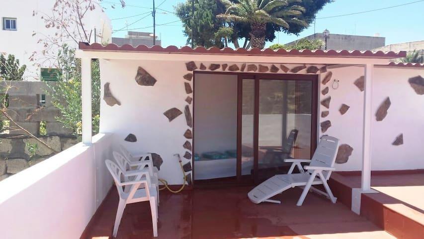 Casa rústica, terraza con vistas - Santa Cruz de Tenerife - Hus