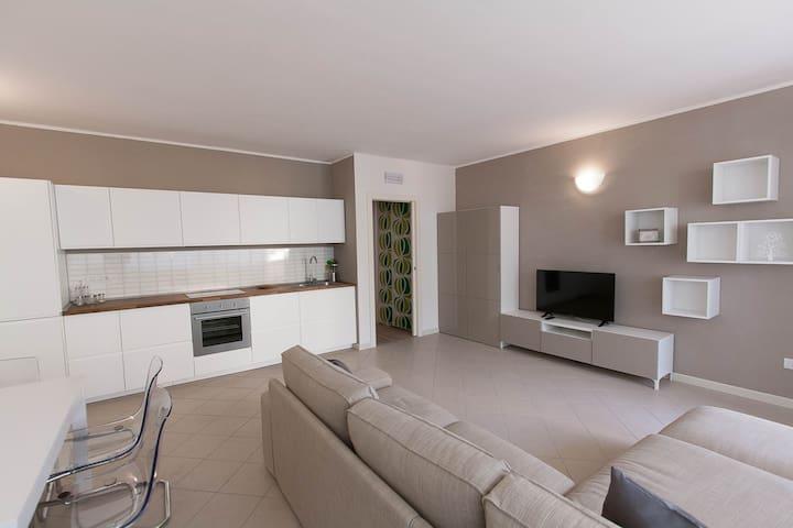 New flat with terrace just ouside Pietrasanta! - Pietrasanta - Apartemen