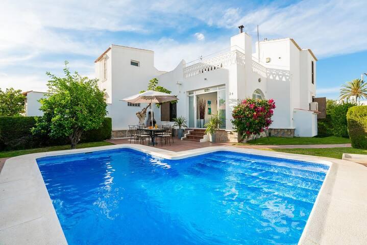 Villa with private pool - Playa Flamenca - Villa