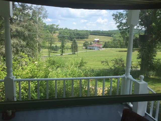 Over the Delaware River to your French Farmhouse - Damascus - Maison