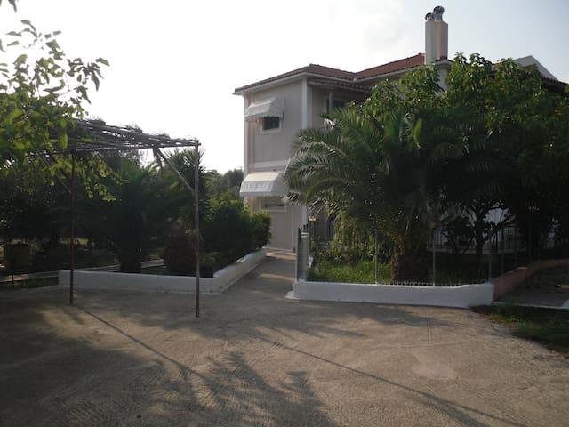 Farm Georgia - Argostolion - Maison