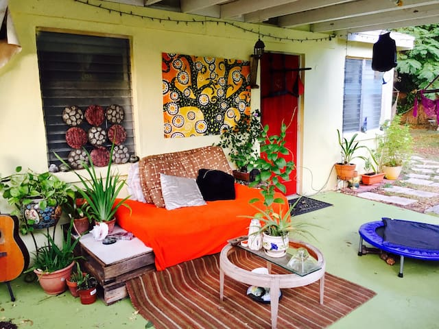 Goddess Retreat Zen Lounge - Delray Beach - Haus