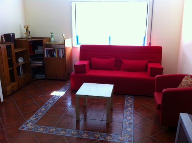 Apartamento com acesso privado e em zona calma - ヴィラ·ノヴァ·デ·ガイア - アパート