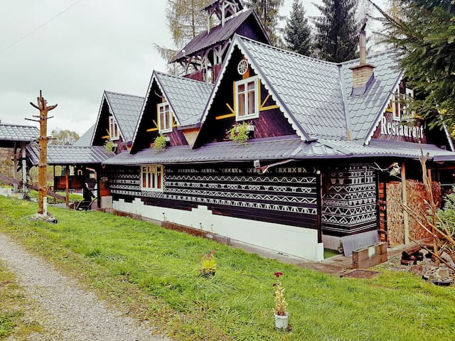 Magical 100y old guesthouse with great breakfast - Zázrivá - Rumah Tamu