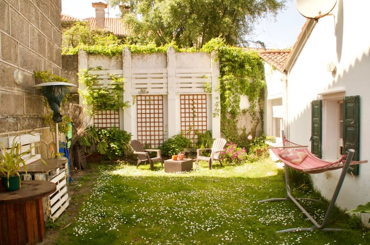Private room in charming house 50m to the beach - Nigrán - Ev