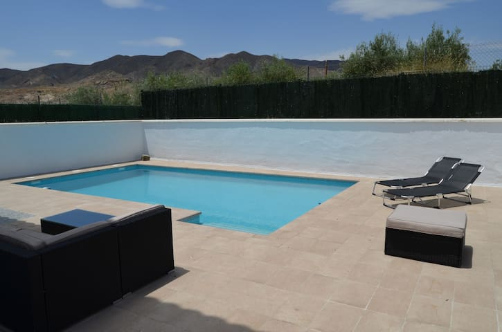 New villa with private pool near the beach. - Cuevas del Almanzora - Vila