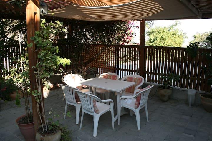 Gils guest rooms - Neve Zohar - Casa