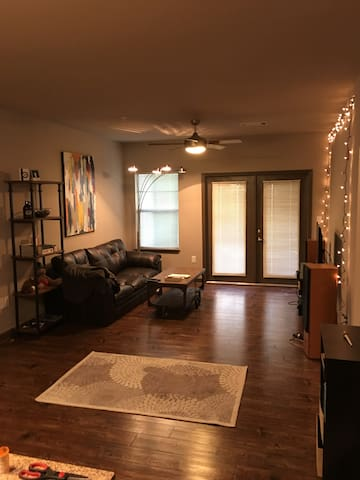 Modern Apartment, easy access to Ole Miss/Square - Oxford - Apartamento