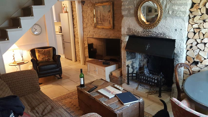 Cosy 2 bed Cotswold Cottage Tetbury - Tetbury - Hus
