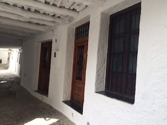 Traditional house in the heart of Alpujarras - Pampaneira