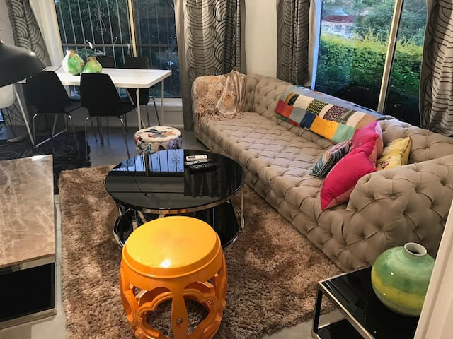 Lux 1BR Close to City/beach/airport/train station - Arncliffe - Casa