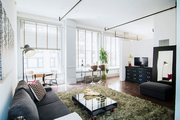 BEST Downtown Loft on Airbnb! - Los Angeles