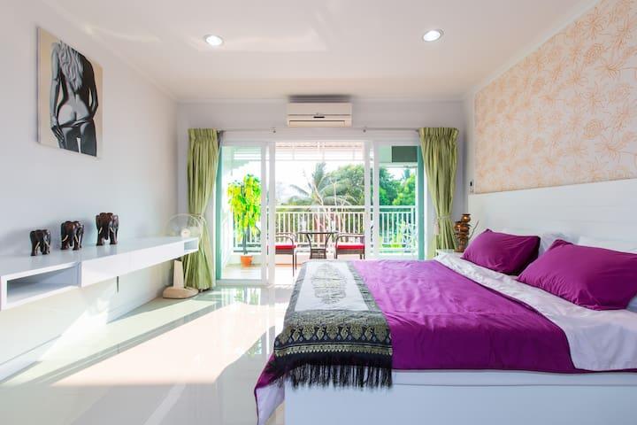 LOVELY 52 SQ MT ONE BED CONDO WITH MOUNTAIN VIEWS. - Tambon Hua Hin - Apartamento