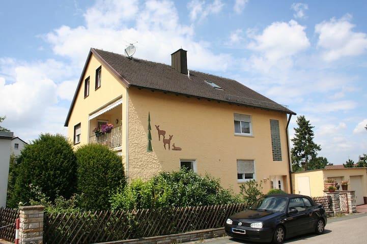 Apartment near Playmobil Funpark & Nürnberg Messe - Zirndorf - Apartemen