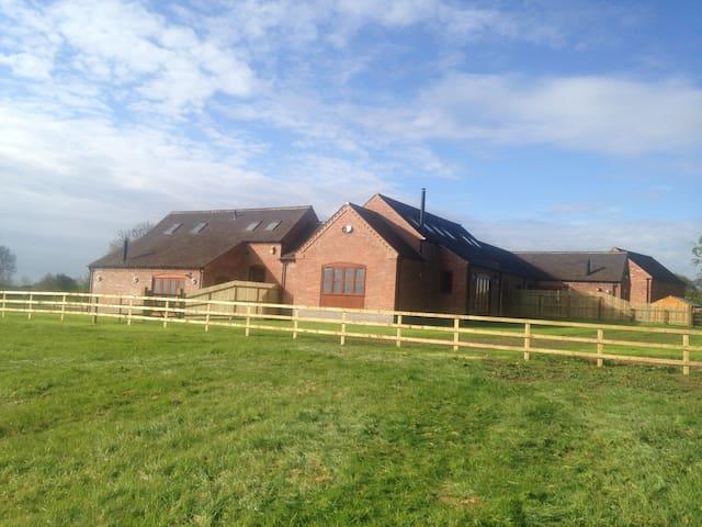 Tawny Cottage - Staffordshire - Hus