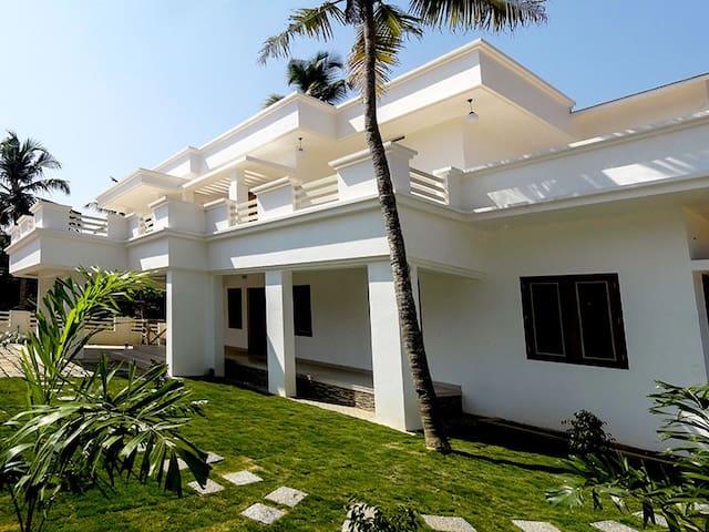 Service villa at Cochin - 埃爾訥古勒姆
