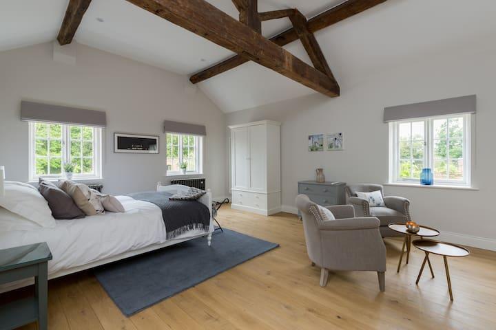 The Old Cottages at Eathorpe Hall - Aster Suite - Eathorpe