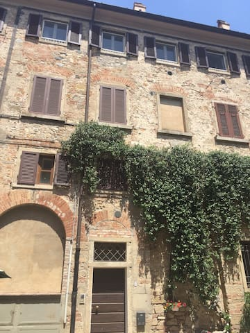 Grazioso appartamento nel centro storico - Bolgheri - Appartement