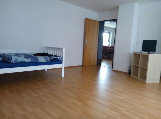 Große Wohnung 3 Zimmer Tückelhausen bis 8 Pers - Ochsenfurt - Apartamento