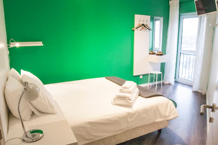 Green Tower - City View (Double/Twin) - Ponta Delgada - Bed & Breakfast
