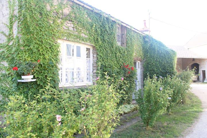 La petite Maison près de Vézelay - Montillot - Rumah