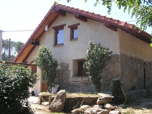 Habitación en finca agroecológica - Ponteareas - Casa particular